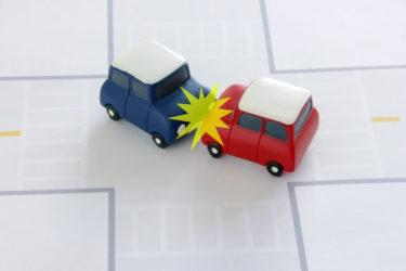 右左折の方法解説!進路変更の安全確認と合図を出して曲がるまでの手順